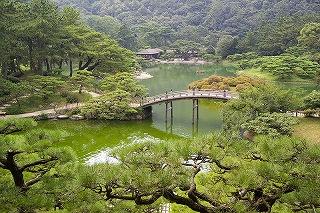800px-Ritsurin-Garden-M3566[1].jpg